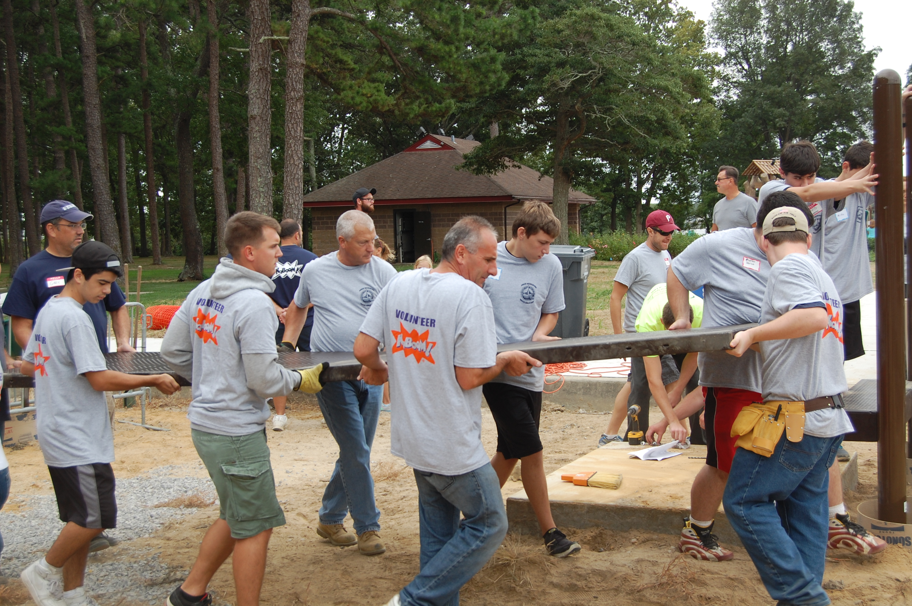 Volunteers help build a boundless playground at Windward Beach Park, Sept. 13, 2014. (Photo: Daniel Nee)