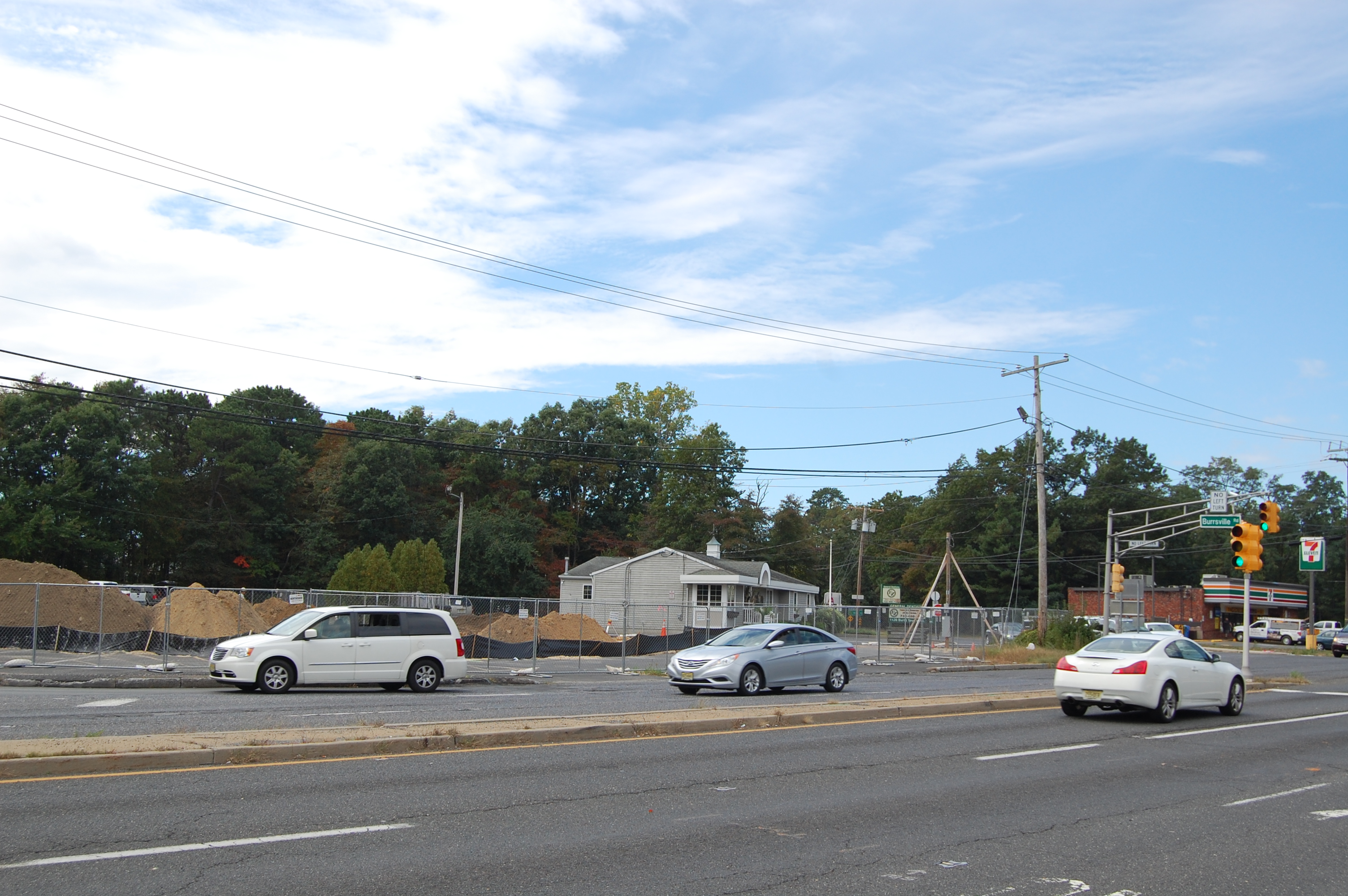 The corner of Burrsville and Burnt Tavern roads in Brick, with a new Santander bank branch under construction. (Photo: Daniel Nee)