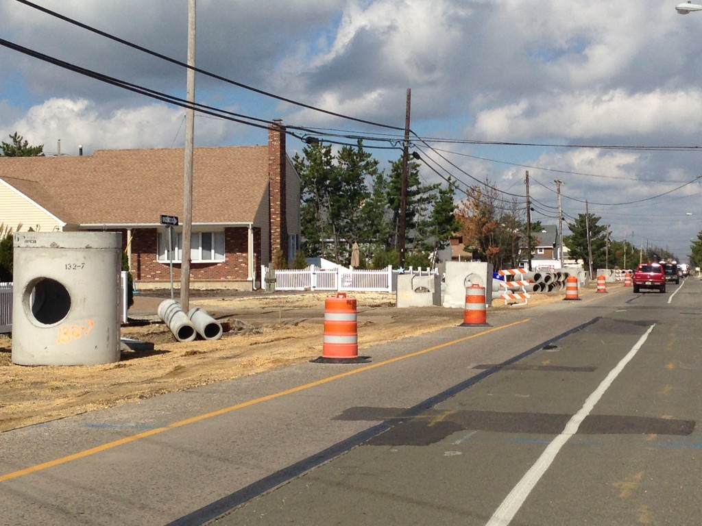 A single, narrow lane on Route 35 south, just north of Used to Be's bar. (Photo: Daniel Nee)