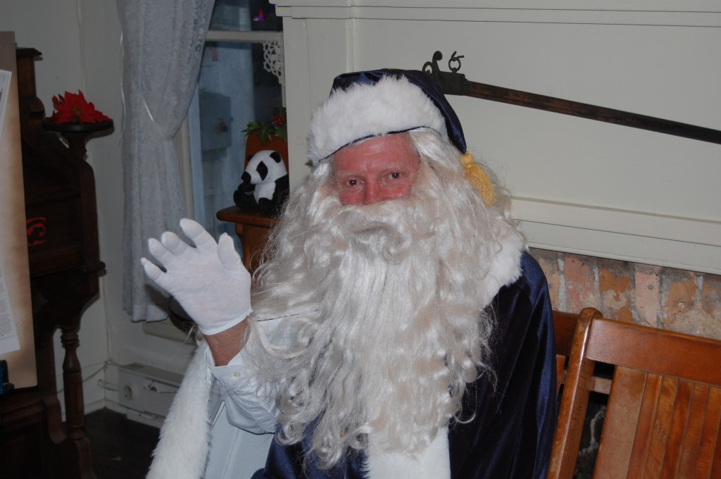 Brick resident Tony Capoano, dressed as Santa Claus as he was thought to be attired in the 1800s. (Photo: Daniel Nee)
