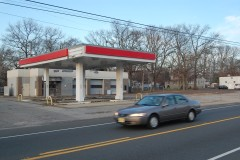 The site of a former Exxon station in Brick, N.J. that could reopen. (Photo: Daniel Nee)