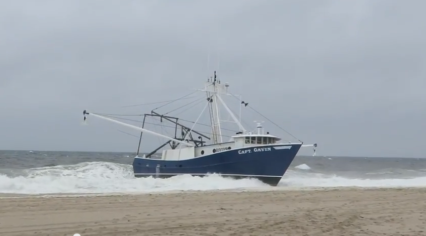 Fishing boat runs aground in point pleasant beach no for Point pleasant fishing boats