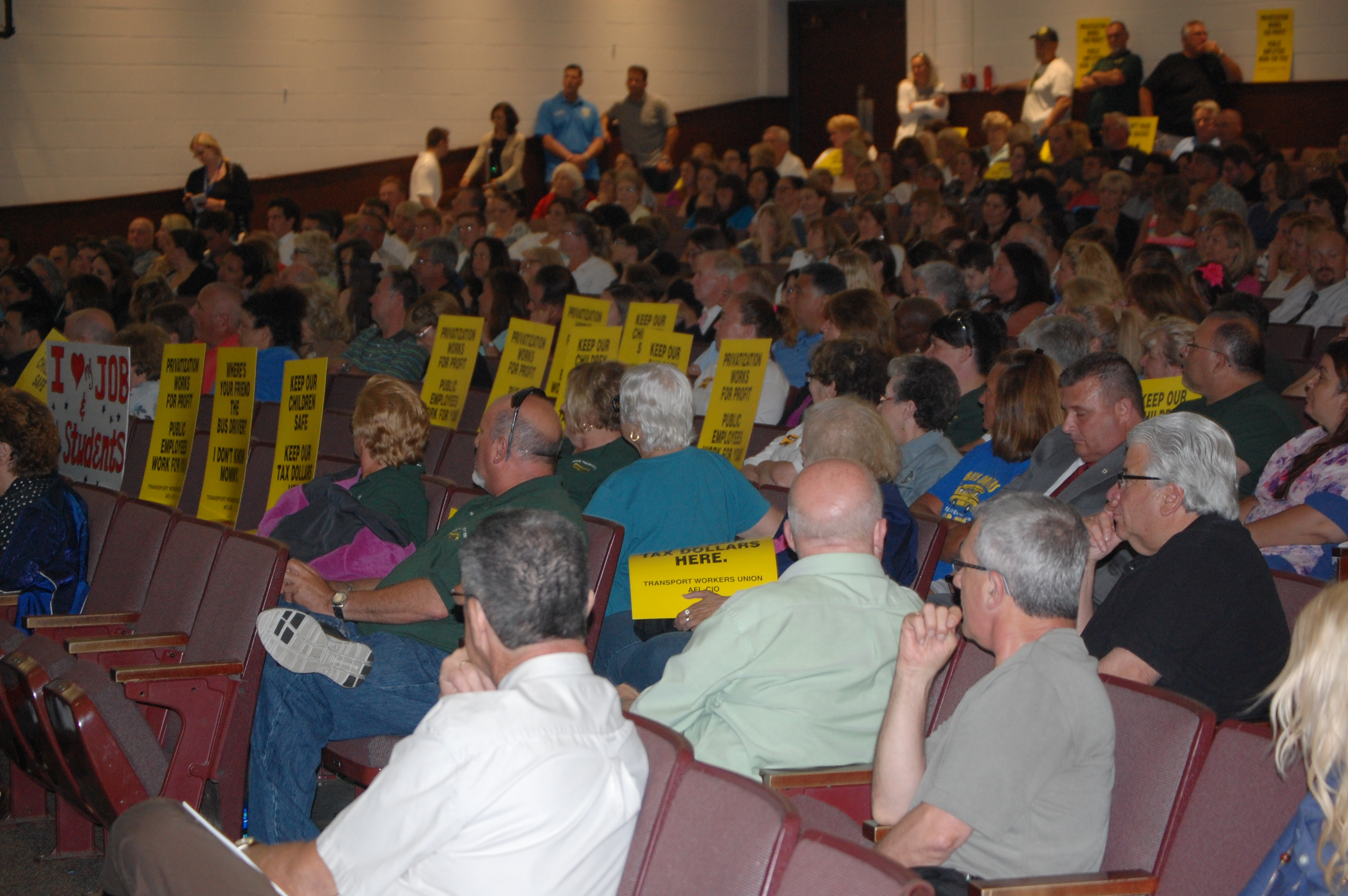 A packed house at the May 28, 2015 Brick Board of Education meeting. (Photo: Daniel Nee)