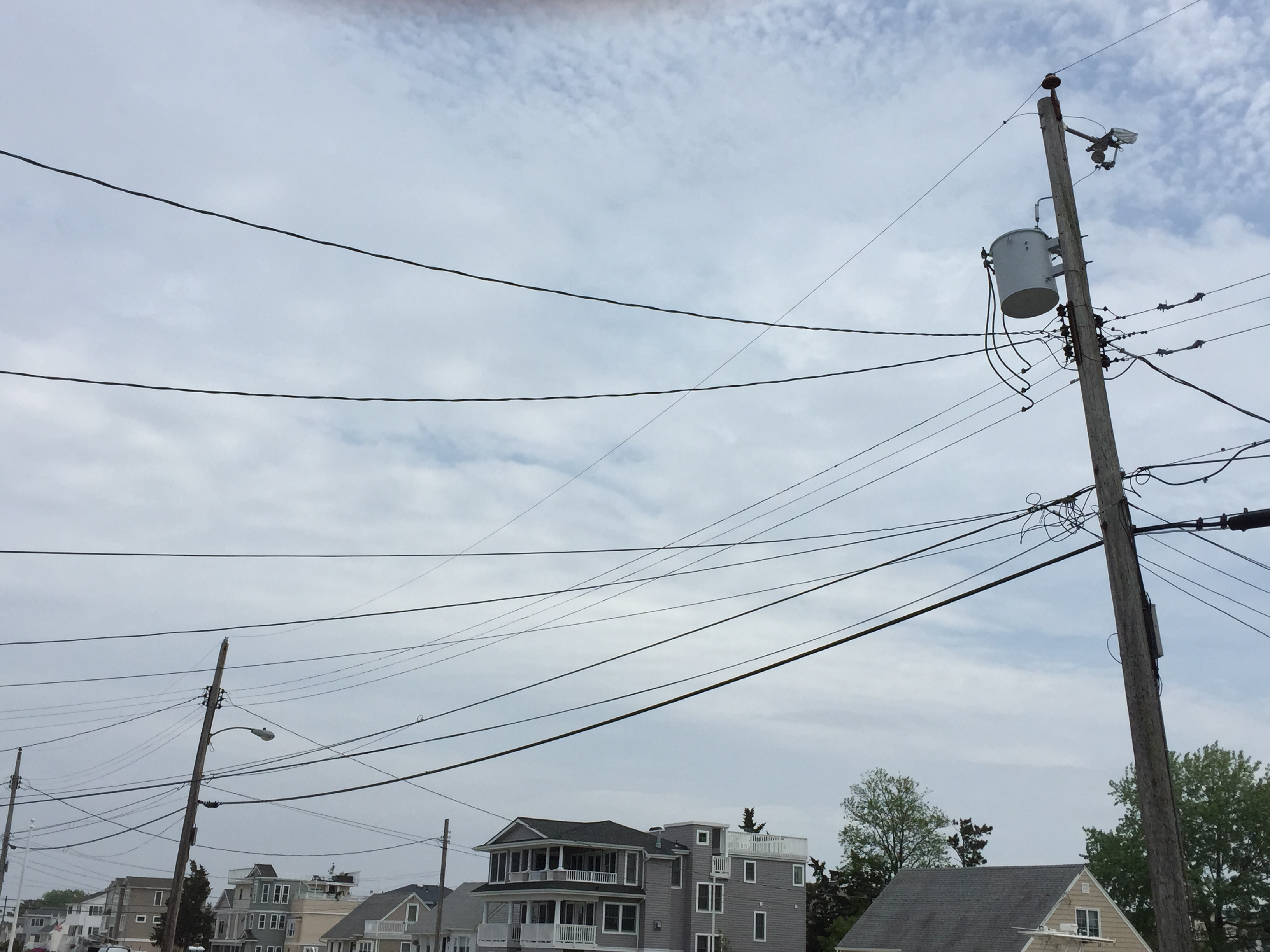 Power lines on a local street. (Photo: Daniel Nee)