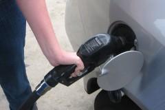 Pumping gas. (Credit: futureatlas.com/Flickr)