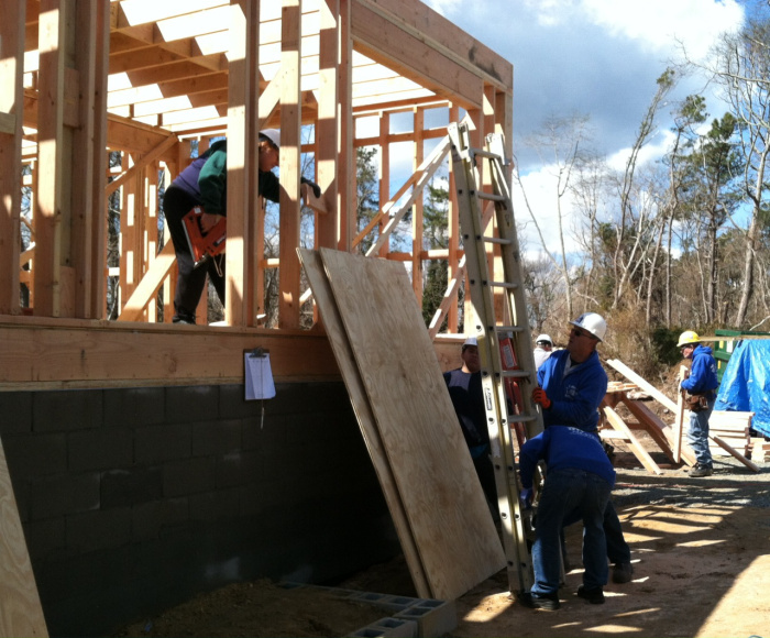 Northern Ocean County Habitat for Humanity volunteers construct a house. (Photo: Habitat for Humanity)
