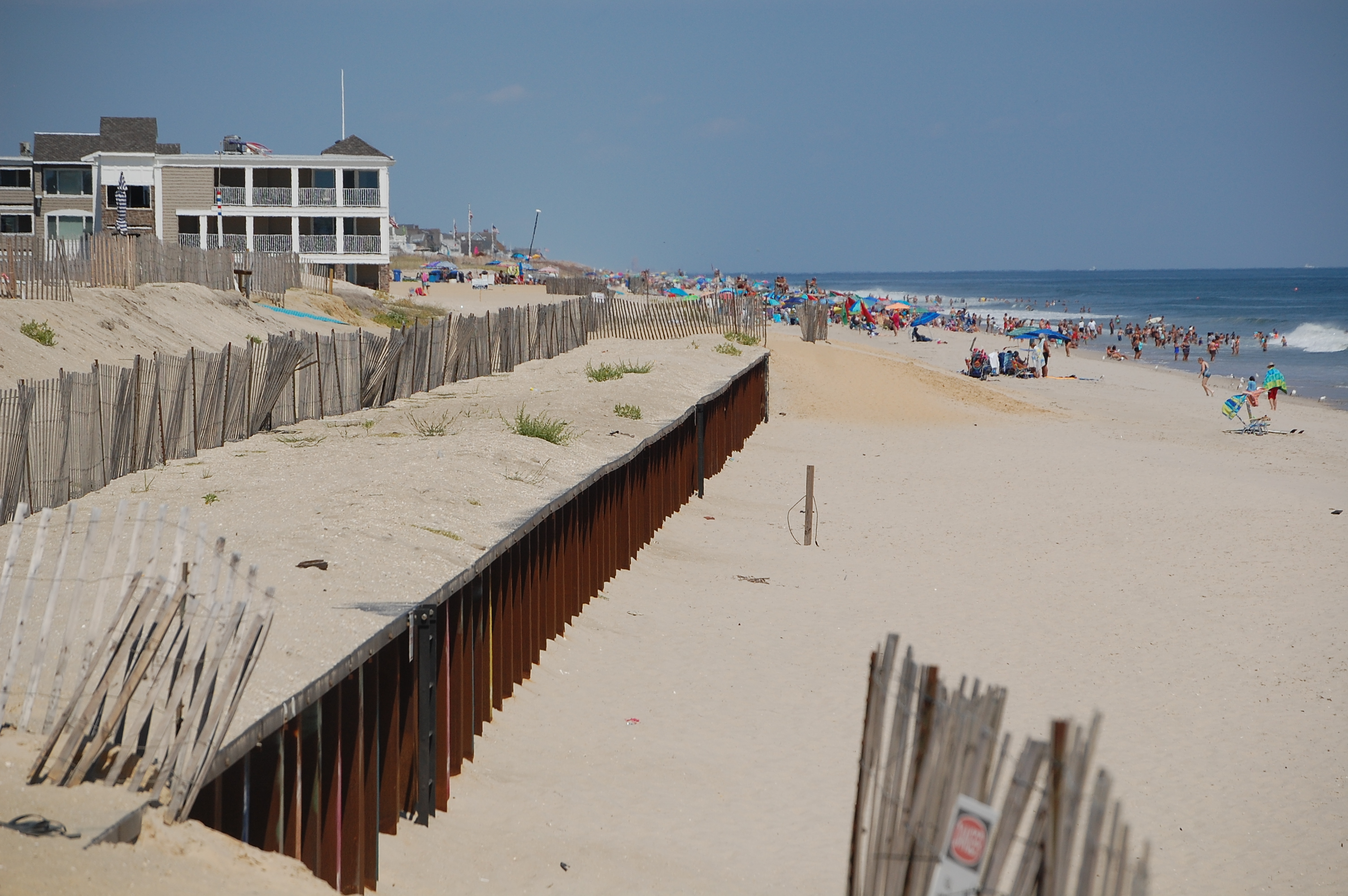 A sheet pile wall exposed where engineered dunes are planned for the beach in Brick, N.J. (Photo: Daniel Nee)