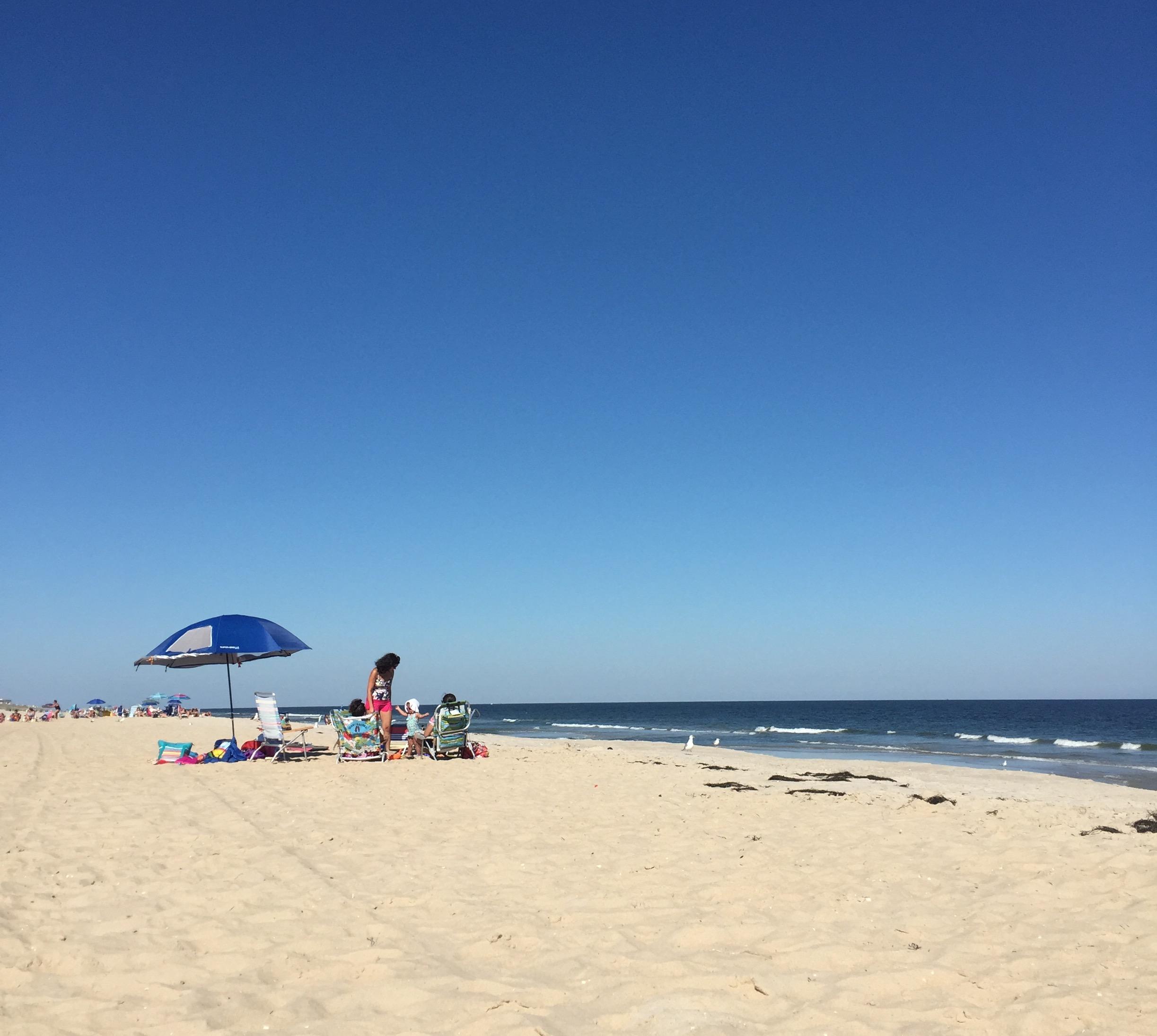 A fall beach scene in New Jersey, 2015. (Photo: Daniel Nee)