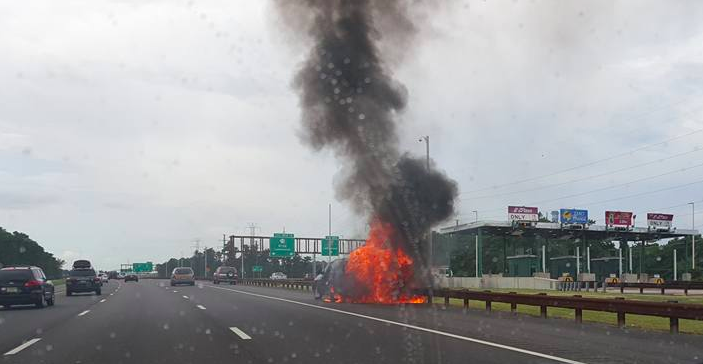 A car fire on the Garden State Parkway, Aug. 11, 2016. (Photo: Sean D'Antoni)