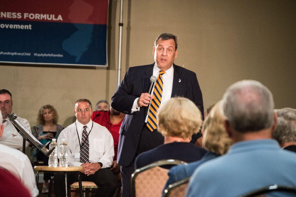 Gov. Chris Christie hosts a forum in Bayville, Sept. 15, 2016. (Photo: Daniel Nee)