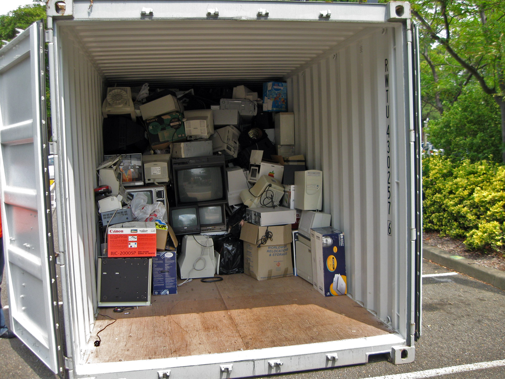 E-waste in a disposal carrier. (Photo: Mosman Council/ Flickr)