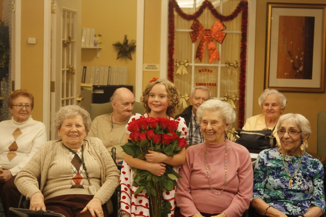 Vasilisa Seneko with residents at Brandywine, Brick, N.J. (Photo: Brandywine)