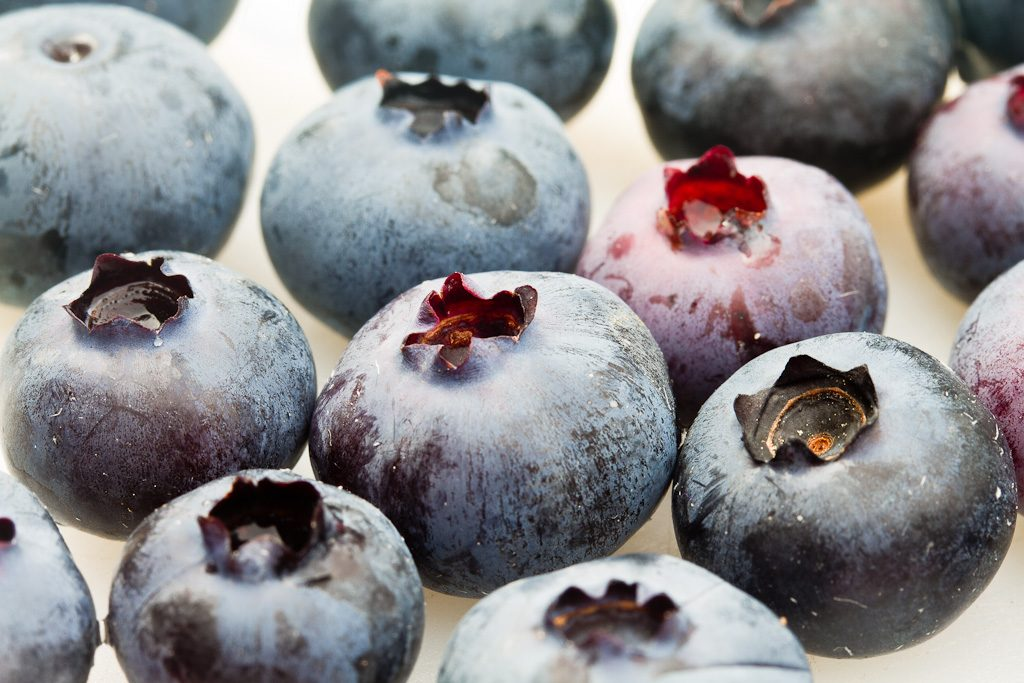 Blueberries. (Photo: Roger H. Goun/Flickr)