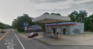 A shuttered gas station at 431 Mantoloking Road, Brick. (Credit: Google Maps)