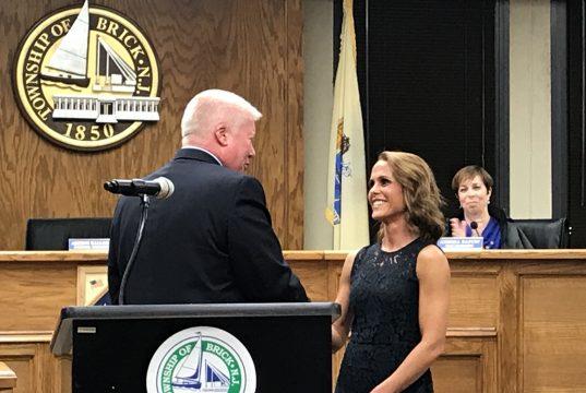 Mayor John Ducey and Maria DeBruin. (Photo: Daniel Nee)