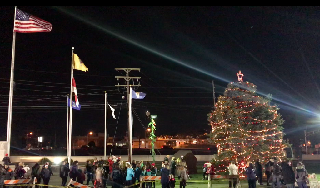 Brick Township's 2017 Christmas tree lighting. (Photo: Daniel Nee)