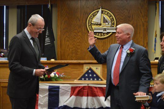 N.J. Gov-Elect Phil Murphy swears in Brick Mayor John Ducey. (Photo: Daniel Nee)