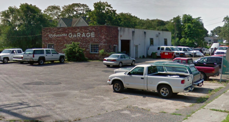 Robinson's Garage (Credit: Google Maps)