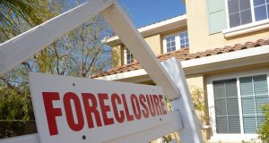Foreclosure sign. (Credit: Wikimedia Commons)
