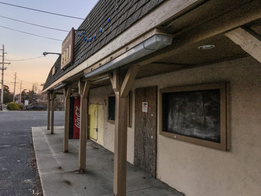 The former Herbertsville Deli property in Brick, N.J., Dec. 2018. (Photo: Daniel Nee)