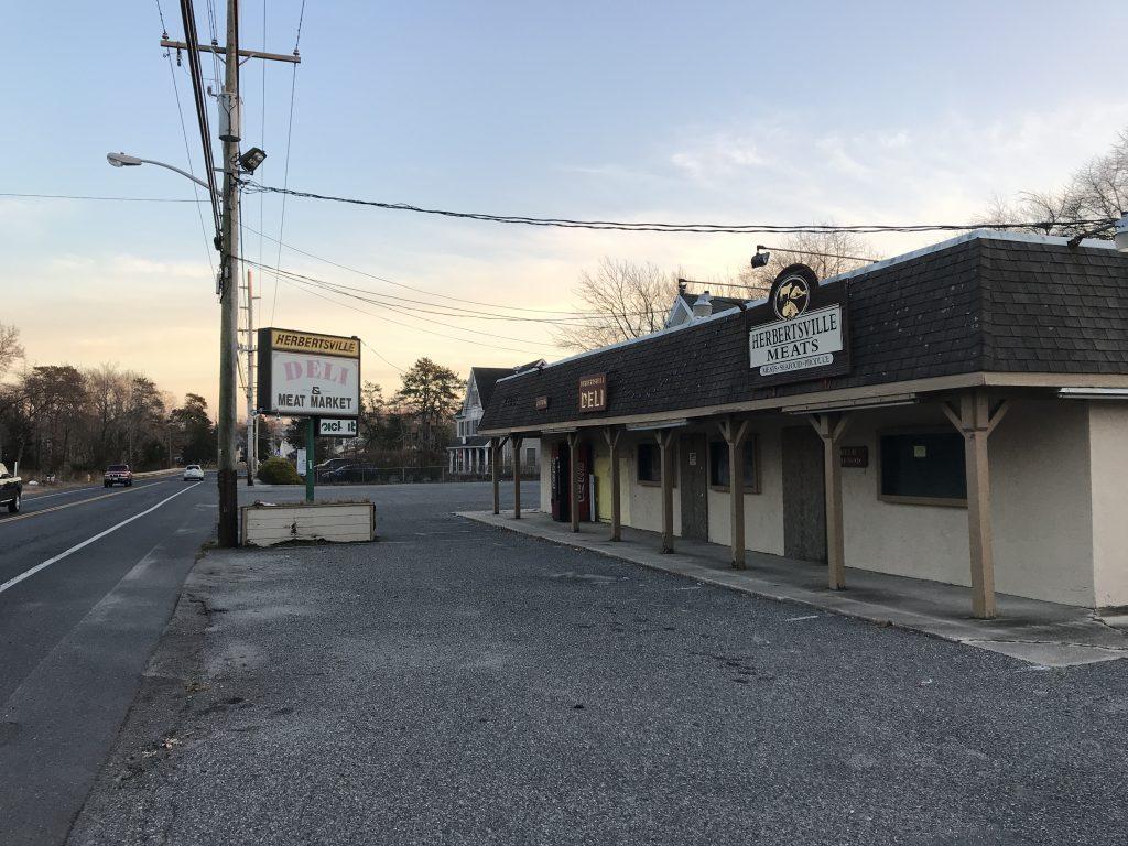 The former Herbertsville Deli property in Brick, N.J., Dec. 2018. (Photo: Daniel Nee)
