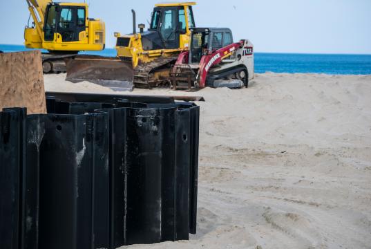 Construction on a sea wall along the Point Pleasant Beach boardwalk. (Photo: Daniel Nee)