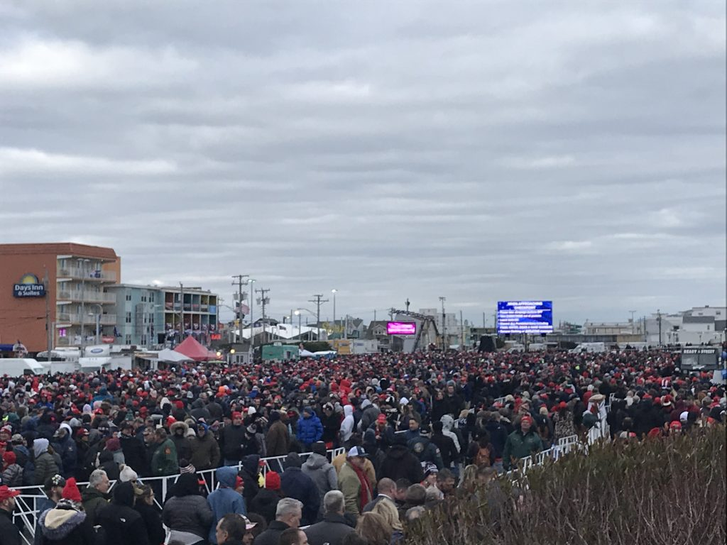Crowds line up and enter the campaign rally for President Donald Trump, Jan. 28, 2020. (Photo: Daniel Nee/Shorebeat)
