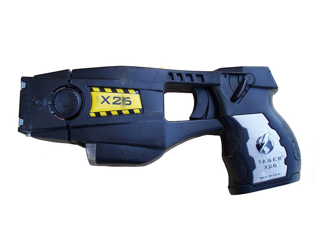 A police-issue taser. (Credit: By Junglecat - Own work, CC BY-SA 3.0)