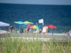 Beachgoers enjoy a warm summer day, July 2020. (Photo: Daniel Nee)
