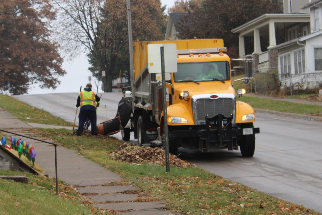 A leaf vacuum truck at work in Muscatine, Iowa. (Photo: City of Muscatine)